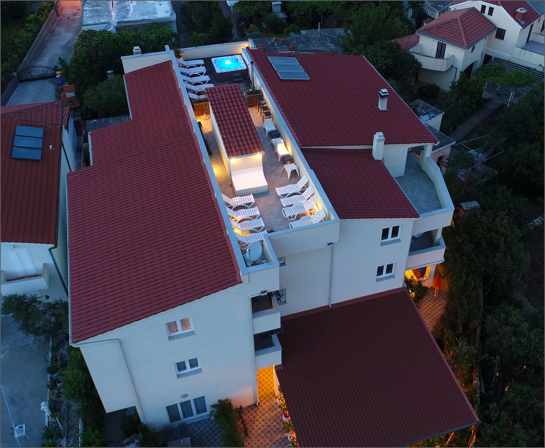 Naši apartmani i kuća